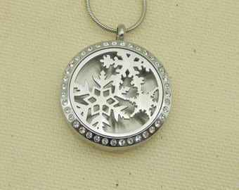 Christmas Ornaments with Crystals 30mm Aromatherapy Locket, Stainless steel Locket, Religious Locket,