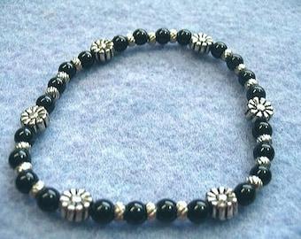 Pierre de Jade Noir Perle Bracelet, Bracelet extensible de fleurs argentées, conception de bijoux en perles à la main