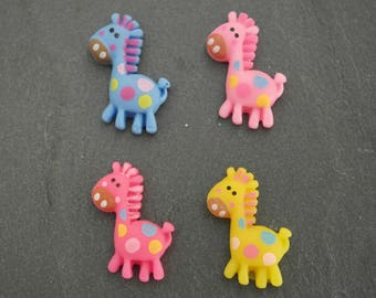 A giraffe cabochon for scrapbooking, embellishment cfonce pink color