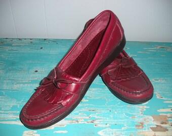 vintage OXBLOOD  Burgundy  SAS Comfort Shoes Fringe Loafers Moccasins Women's 9