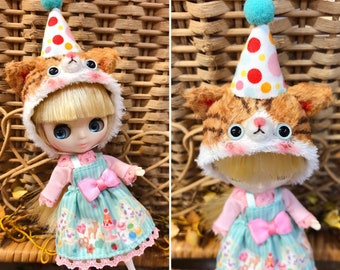 The hat for petite Blythe dolls