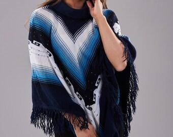 Vintage Aztec Blue & White Poncho - www.brickvintage.com