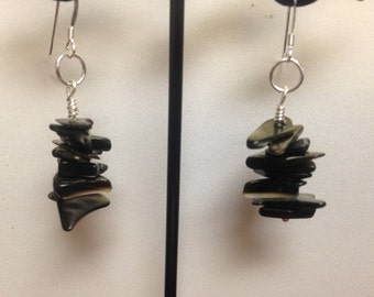 Shell chip earrings, shell chip pendant, shell chip jewelry set, black lip shell, beach earrings, gift under 30, gift for her, Ready to ship