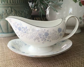 Wedgwood Belle Fleur Gravyboat with attached Underplate Platinum Trim