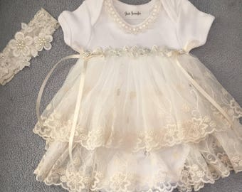 Newborn Infant Baby Girl Dress Newborn Infant Baby Onesie w Lace Take Home Outfit Vintage Inspired