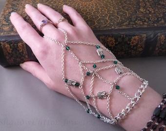 Silver tone Chain Handflower Slave Bracelet, Owl beads, Emerald green crystal beads, ring bracelet, hand jewelry, hath panja, toggle clasp