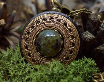 Protection Necklace Pendant 'Amddiffyn' Amulet Labradorite