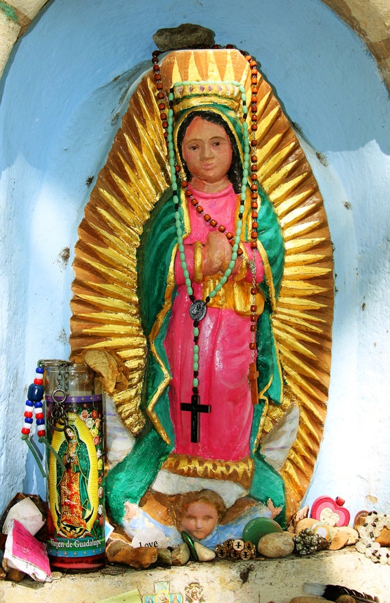 "Virgen de Guadalupe - La Villita (5"" x 7"" photographic greeting card - blank inside/with envelope)"