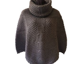 Winter Ladies Poncho/ Alpaca Wool/ Made in Italy/ Knitted
