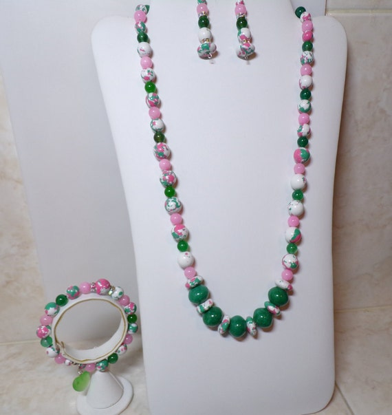 Greenery with a touch of pink 3 pc jewelry suite