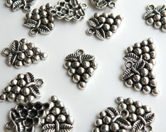 10 Grape Bunch Charms antique silver 20x15mm P20604