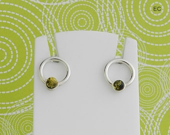 Amber green and silver circles earrings