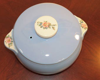 Hall Pottery Rose Parade Two and a Half Quart Casserole with Lid – Mid Century