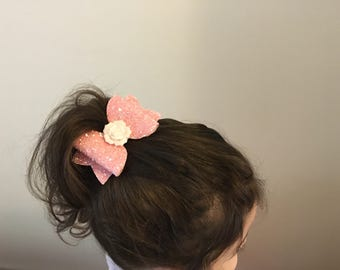 Bow with elastic. For girl and baby!