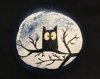 Owl with full moon rock