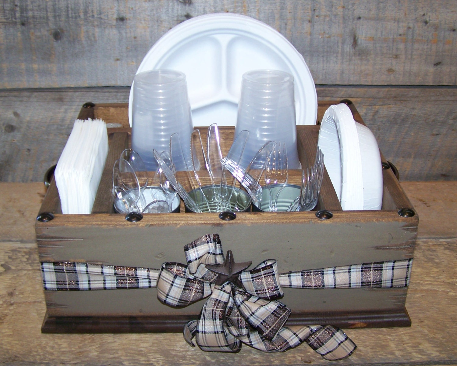 🔎zoom & Khaki colored party wood organizer with plaid ribbon great for