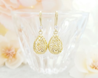 Gold Crystal Earrings Dangle - Clear Teardrop Earrings - Gold Drop Earrings Bridal - Cage Earrings - Filigree Earrings Gold Tear Drop E2481