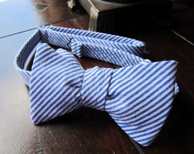 Mens Freestyle Bow Tie in Royal Seersucker,  Mens Freestyle Bow tie, Self Tied Bow Tie Handmade by TwoLCreations