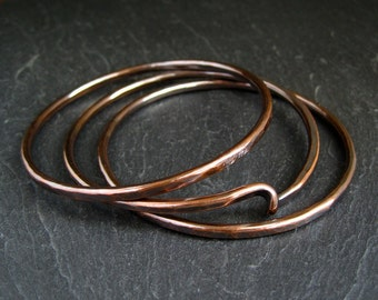 Copper bangles set with hammered finish and twist design, ladies bracelets, 7th copper anniversary gift for wife, women's arthritis jewelry