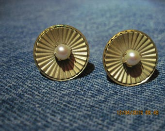 Vintage BEAUTIFUL STAR Gold Art Deco Faux Pearl Screwback Earrings #8248...Gift 4 Mom,Gift 4 Her,Office or Play