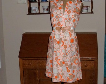 """Op art House Dress ,1960s by Gilead with belt, Fun and funky ,size Small ,32"""" to 33"""" chest"""