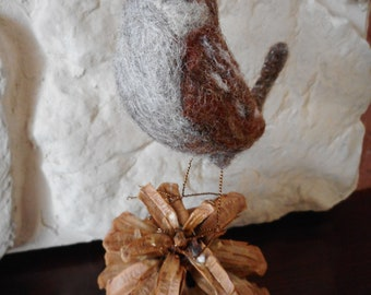 needle felted wren, handmade bird, wren statue, fibre art bird, felted birds, wren bird lovers gift. fathers day gifts