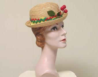 Vintage 1950s Hat / 50s Straw Bowler Tilt Hat