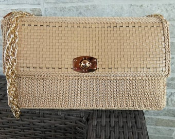 Clutch bag entirely handmade for every occasion