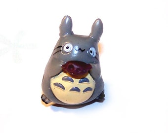 Miniature TOTORO with a cookie 30 x 11 mm plastic
