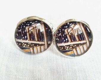 Brooklyn Bridge Stunning Little Stud Post Earrings!