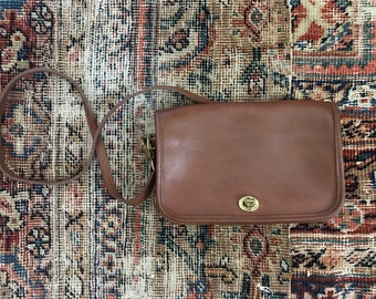 Vintage coach dinky crossbody bag / brown leather coach penny bag / leather coac handbga / made in USA