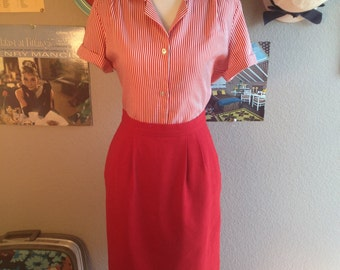 1960's Bold Red Pencil Skirt with Pockets/ Size Small