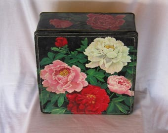 Vintage big tetragon tin container with flowery decoration, vintage tin canister, vintage tin box, vintage home decor, Collectible  box.