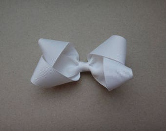 White Butterfly Loop Hair Clip