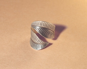 Adjustable silver ring, vintage ring, open ring, wrap around ring, man, women's long ring, statement ring, sterling silver ring, leaf ring