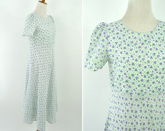 Vintage 1970's White Green and Purple Floral Spring Maxi Dress - Short Sleeve A-line Casual Frock Summer Day Dress - Mori Girl - Size Medium