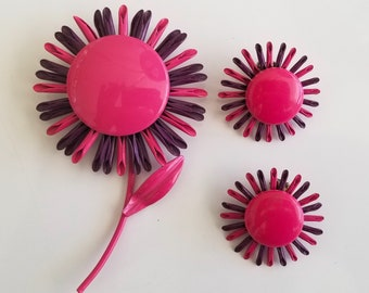 Vintage Mod Flower Power Pink and Purple Spider Mum Daisy Enamel Brooch Pin with matching Earrings