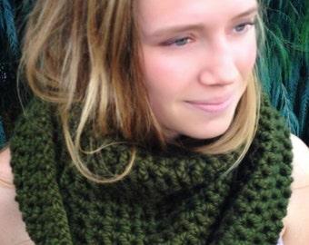 Cowl Scarf, chunky cowl, chunky scarf, infinity scarf, scarf, crochet cowl, ready to ship, women's cowl scarf, green scarf