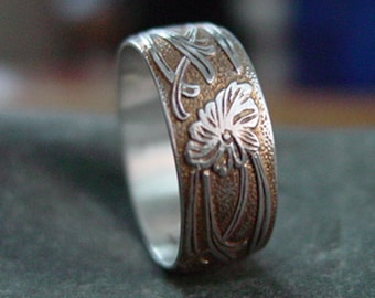 Sterling Silver Antiqued Flower Ring - Creative Mode
