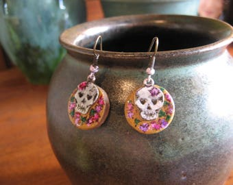 Catrina Earrings, Day of the Dead earrings, Hand Painted Scull and Roses