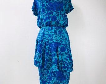 Beautiful 100% vintage silk blue floral dress  size 8