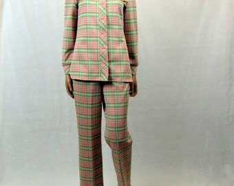 Vintage 70s Check Pant Suit / Coral Pink and Green Plaid / Double Polyester / Marty Gutmacker / Medium / Two Piece / Wide Leg / Long Sleeves