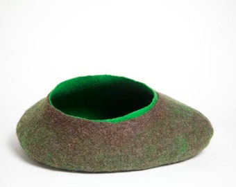 Felted Catcave-Cat basket-Brown green-cat-puss-felted-durable-handmade-cat basket-female basket