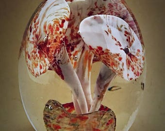 A vintage Murano glass paperweight trumpet Flowers