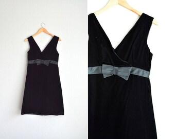 60's Black Velvet V-Neck Shift Dress with Satin Bow, Size S/M