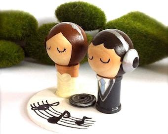 DJ Music Themed WEDDING Cake Topper Custom Kokeshi Spool Doll 3D Clay Headphones Record Musical Notes Stand Wooden Wedding Cake Topper Cute