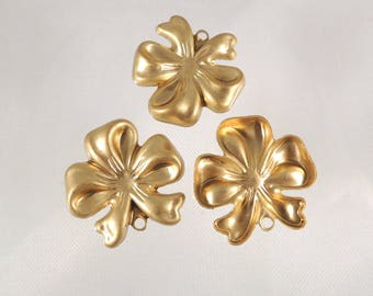 Vintage Brass Bow Stamping Finding Pendant (10 Pieces)  Floral Clover - 24mm - Lot - Jewelry DIY - Jewelry Finding Accessory