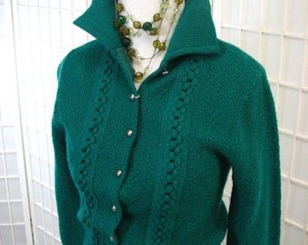 1940/50s Green Knit Ensemble ..  Sweater/Skirt ...  MINT Condition with Tags......  size X -Small or 2/4....  Great for Work, Travel