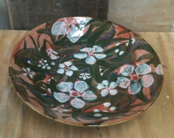 Decorative Wide Pottery Bowl with Manuka Flower Design