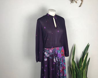 1970s Purple Floral Dress with Keyhole Neckline